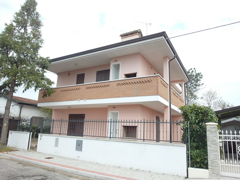 Dal 28 Agosto 3×2 – Appartamento in villetta al piano terra in affitto ai Lidi Ferraresi